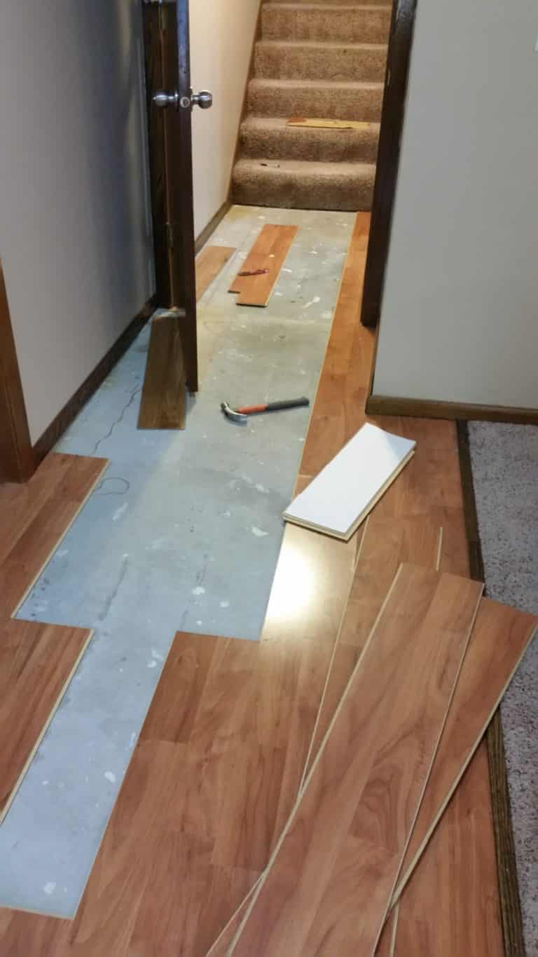 how to fix laminate flooring